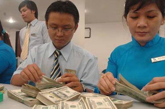 Lãi suất huy động USD của nhiều ngân hàng thương mại đã tăng lên trong khoảng một tháng trở lại đây.