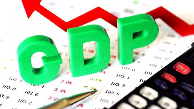 """Quốc hội đã lần đầu tiên thông qua Nghị quyết về kinh tế - xã hội với chỉ tiêu GDP cho năm 2018đã được """"mềm hóa"""" bằng con số tăng từ 6,5% đến 6,7% chứ không còn chỉ chốt chặt vào một đích như trước đây."""
