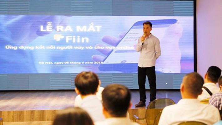 Ông Trần Việt Vĩnh, CEO của Fiin công bố ra mắt ra mắt ứng dụng cho vay trên di động Fiin chiều tối hôm 5/6.