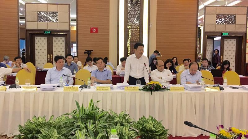 Thứ trưởng Bộ Lao động - Thươn binh và xã hội, ông Lê Quân phát biểu tại phiên họp.