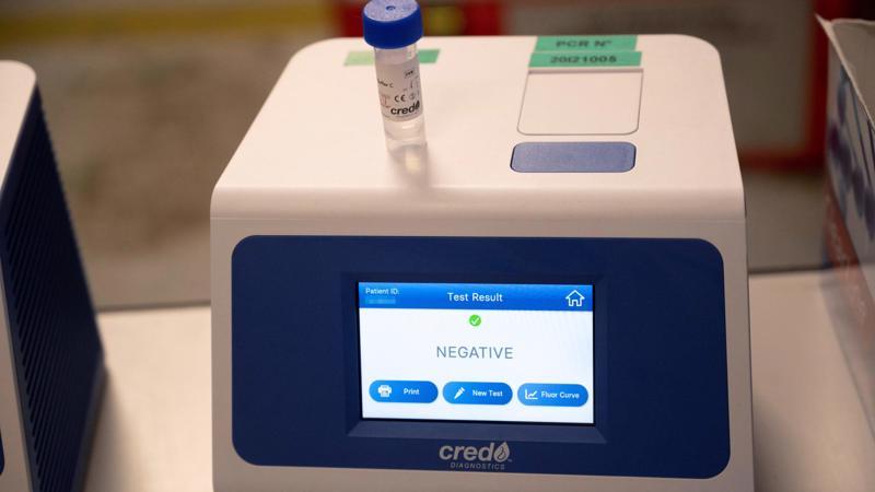 Biến thể Covid-19 mới tại Pháp gây lo ngại khi không bị phát hiện qua xét nghiệm tiêu chuẩn PCR - Ảnh: France24