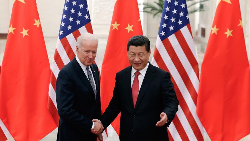 Ông Joe Biden với cương vị phó tổng Mỹ gặp Chủ tịch Trung Quốc Tập Cận Bình vào năm 2013 - Ảnh: Getty Images.