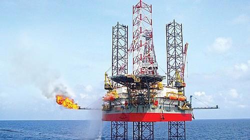 """Tập đoàn Dầu khí Việt Nam đã xây dựng """"kế hoạch hành động giảm thiểu, thích ứng với biến đổi khí hậu"""" làm kim chỉ nam cho toàn ngành dầu khí thực hiện ứng phó với biến đổi khí hậu."""
