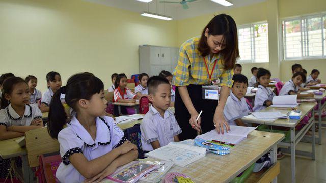 Hệ số lương giáo viên từ mầm non đến THCS công lập được điều chỉnh từ tháng 3 - Ảnh: VGP
