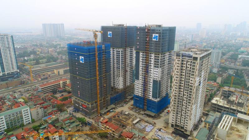 Với 3 trong số 4 tòa căn hộ đã cất nóc, được thi công bởi nhà thầu Hòa Bình, người mua nhà có thể trực tiếp xem xét về chất lượng xây dựng của TNR GoldSeason.