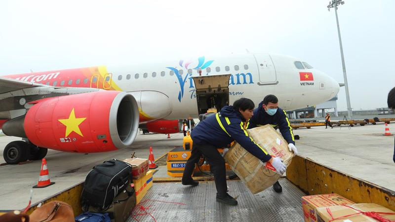 Giao thông vận tải trong lĩnh vực hàng không có tính đặc thù rất cao, đòi hỏi có những quy định chặt chẽ, phù hợp với tính chất của ngành này.
