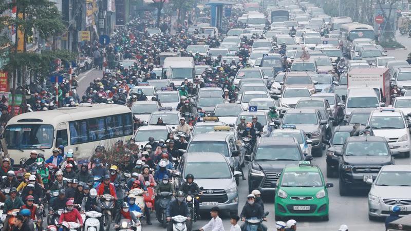 Theo Uỷ ban Pháp luật, thời gian qua, thành phố Hà Nội đã xẩy ra nhiều vụ việc gây ô nhiễm về không khí, về nguồn nước trên quy mô lớn ảnh hưởng nghiêm trọng đến sức khỏe của người dân Thủ đô và các vùng phụ cận - Ảnh: Quang Phúc
