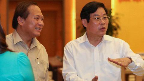 Cựu Bộ trưởng Nguyễn Bắc Son (phải) và cựu Bộ trưởng Trương Minh Tuấn.