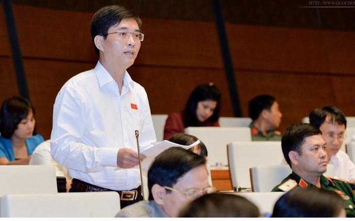 Đại biểu Hoàng Quang Hàm góp ý Luật Hỗ trợ doanh nghiệp nhỏ và vừa.