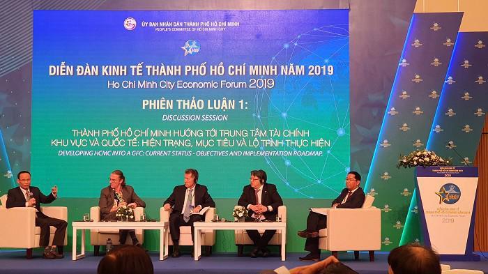 """Phiên thảo luận """"Thành phố Hồ Chí Minh hướng tới Trung tâm Tài chính Khu vực và Quốc tế: Hiện trạng- mục tiêu và lộ trình thực hiện"""", Diễn đàn Kinh tế Tp.Hồ Chí Minh năm 2019"""