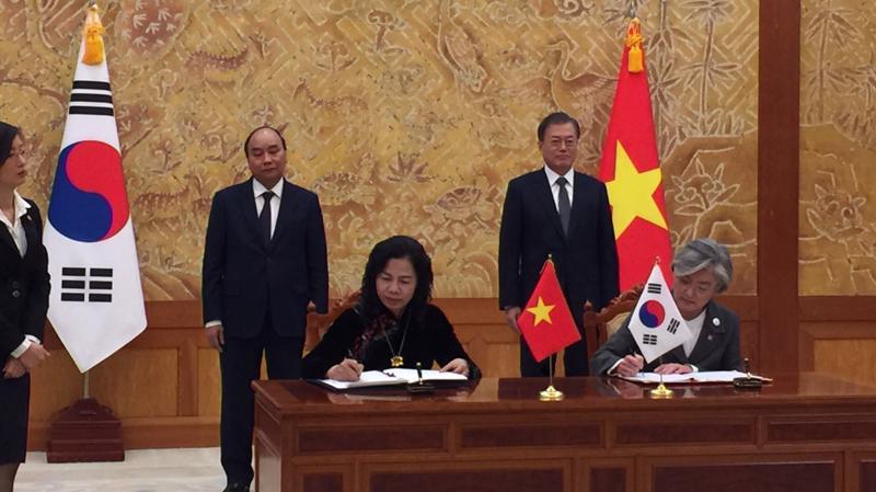 Việt Nam hiện có 40 dự án đã đầu tư sang Hàn Quốc với tổng số vốn đầu tư là 23,8 triệu USD.