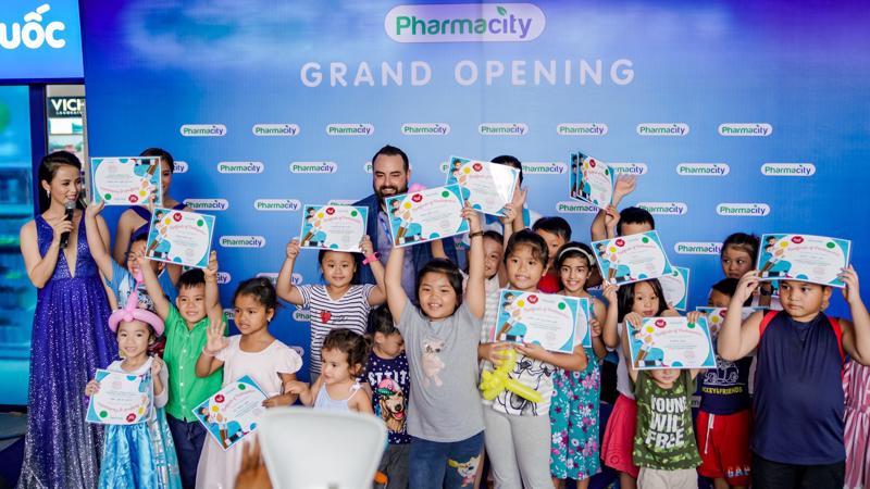Cửa hàng thứ 200 này chính là một trong những cột mốc có ý nghĩa quan trọng để Pharmacity dần hiện thức hóa mục tiêu lớn hơn của mình trong tương lai.