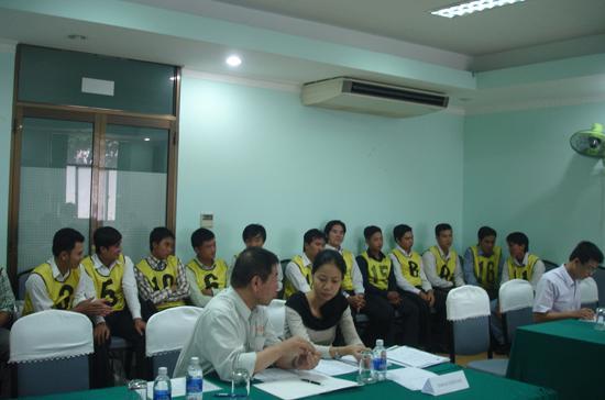 Thực tập sinh về nước tham gia buổi tuyển dụng của các doanh nghiệp Nhật tại Việt Nam - Ảnh: QL.