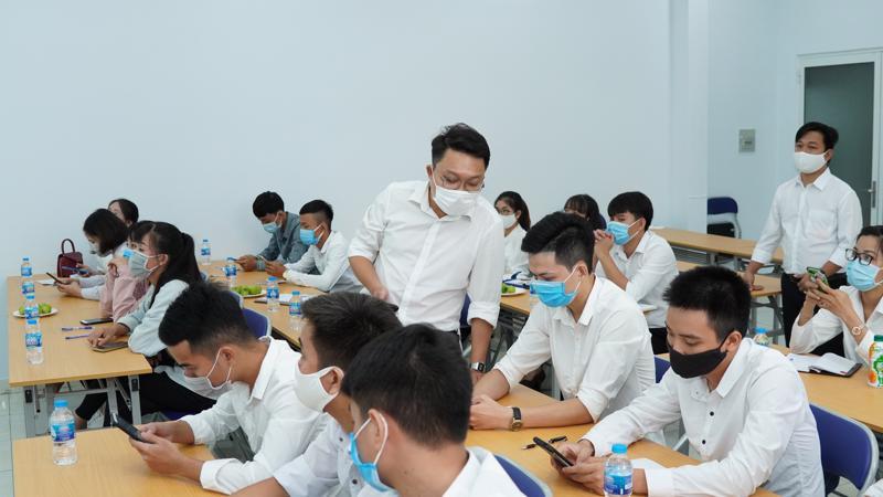 Tập đoàn Tân Long tổ chức chương trình chào đón và tiếp nhận đối với nhân sự mới.