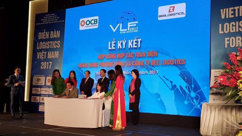 Lễ kí kết hợp tác toàn diện giữa OCB và BEE Logistics.
