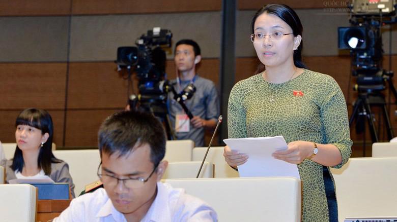 Đại biểu Hoàng Thị Thu Trang cho rằng hoàn thiện thể chế về thu hồi tài sản tham nhũng là vấn đề cốt tử khi sửa Luật Phòng chống tham nhũng.