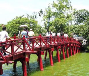 Trong chín tháng đầu năm 2009, đã có hơn 5 triệu lượt khách nội địa tới Hà Nội tham quan.
