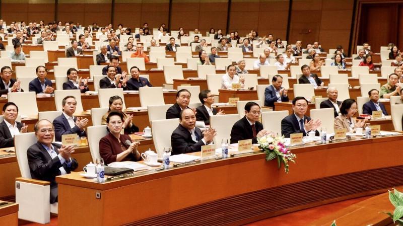 Các đồng chí lãnh đạo, nguyên lãnh đạo Đảng, Nhà nước, lãnh đạo bộ ngành Trung ương, địa phương dự hội nghị tại điểm cầu chính tại Phòng họp Diên Hồng, Nhà Quốc hội, Thủ đô Hà Nội - Ảnh: VGP