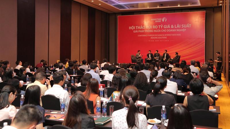 Hội thảo đem lại cái nhìn tổng quan về bối cảnh kinh tế và thị trường tài chính quốc tế cũng như thực trạng và triển vọng kinh tế Việt Nam.