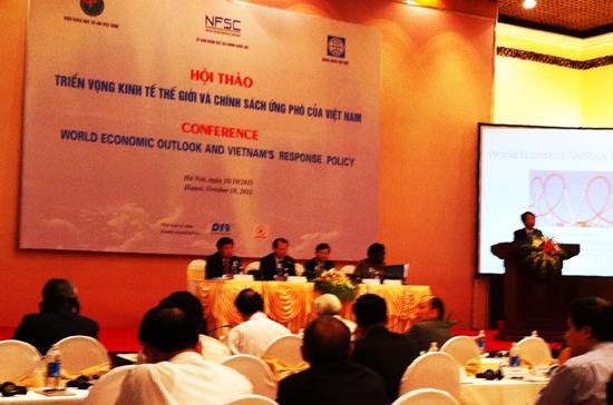 Hội thảo triển vọng kinh tế thế giới và chính sách ứng phó của Việt Nam - Ảnh: Anh Quân.