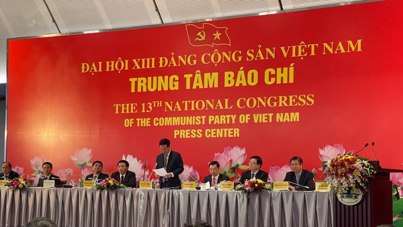 Trưởng Ban Tuyên giáo Trung ương Võ Văn Thưởng chủ trì họp báo Đại hội XIII của Đảng.