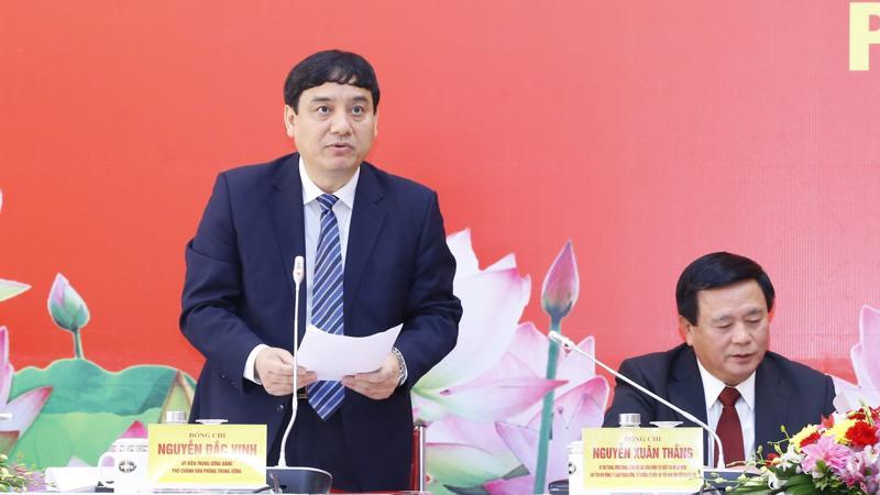 Ủy viên Trung ương Đảng, Phó Chánh Văn phòng Trung ương Đảng Nguyễn Đắc Vinh, phát biểu tại buổi họp báo trước thềm Đại hội