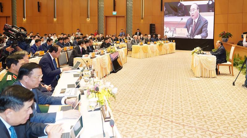 Thủ tướng Nguyễn Xuân Phúc chủ trì phiên họp Chính phủ đầu tiên qua hệ thống e-Cabinet - Ảnh: VGP.