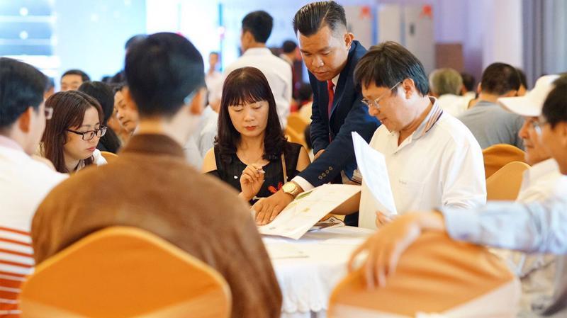 Tham gia lễ mở bán, có sự tham dự của Ngân hàng Vietinbank, các sàn phân phối, đại diện truyền thông và đông đảo khách hàng.