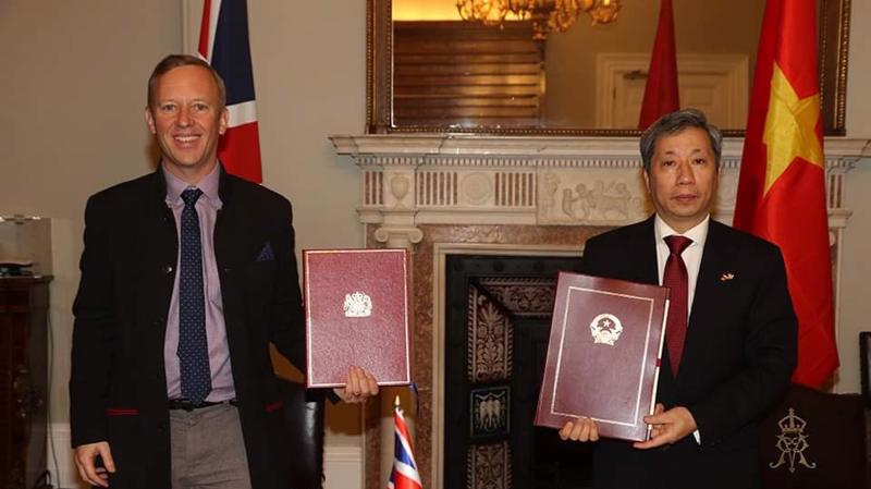 Hiệp định UKVFTA chính thức được ký kết bởi đại diện ủy quyền (Đại sứ) của Chính phủ hai nước tại London (Vương quốc Anh).