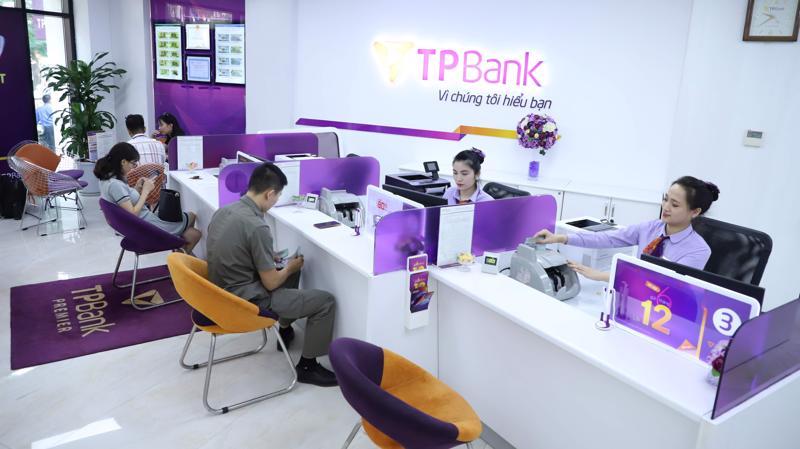 Từ cuối tháng 10/2020 đến nay, giá cổ phiếu TPBank đã liên tục lập đỉnh mới, tăng từ mức 18.660đ lên 28.800đ (chốt phiên giao dịch ngày 18/1), tương đương mức tăng gần 54%.