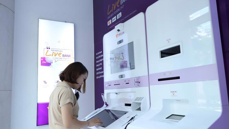 TPBank đã ra mắt LiveBank - ngân hàng tự động 24/7 có thể thực hiện gần như đầy đủ các giao dịch như một chi nhánh truyền thống.