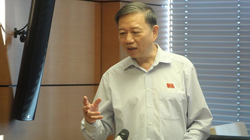 Bộ trưởng Bộ Công an Tô Lâm tại buổi thảo luận tổ chiều 13/11 của Quốc hội.