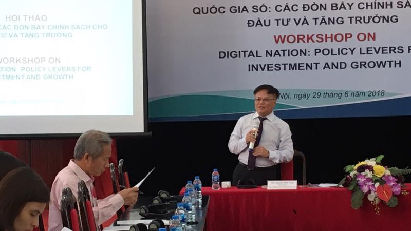 Viện trưởng CIEM, ông Nguyễn Đình Cung phát biểu khai mạc hội thảo.