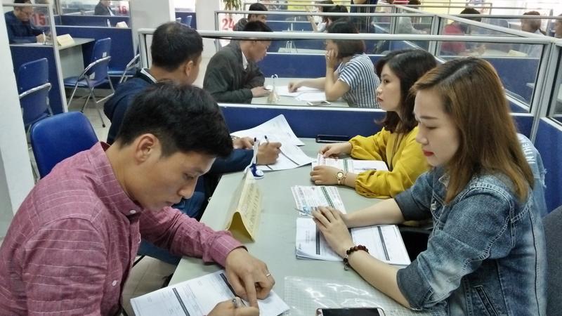 Tại các trung tâm dịch vụ việc làm, doanh nghiệp luôn có nhu cầu tuyển dụng liên tục nhưng vẫn khó tìm được nhân sự phù hợp. Ảnh minh họa - N.Dương.