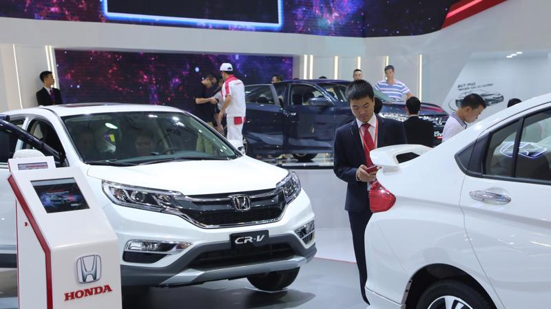 Việt Nam đang trở thành thị trường màu mỡ của các loại ôtô xuất xứ từ Thái Lan và Indonesia.