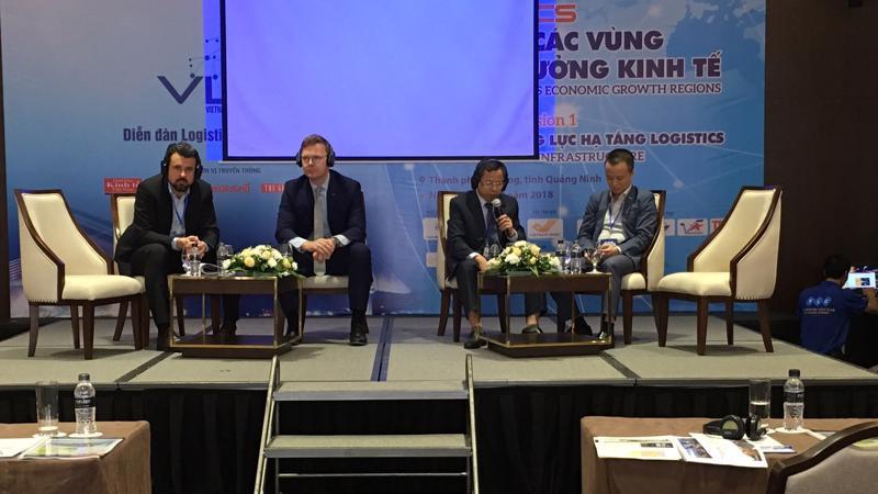 Phiên thảo luận chuyên đề nâng cao năng lực hạ tầng cho logistics Việt Nam - Ảnh: Việt Tuấn.