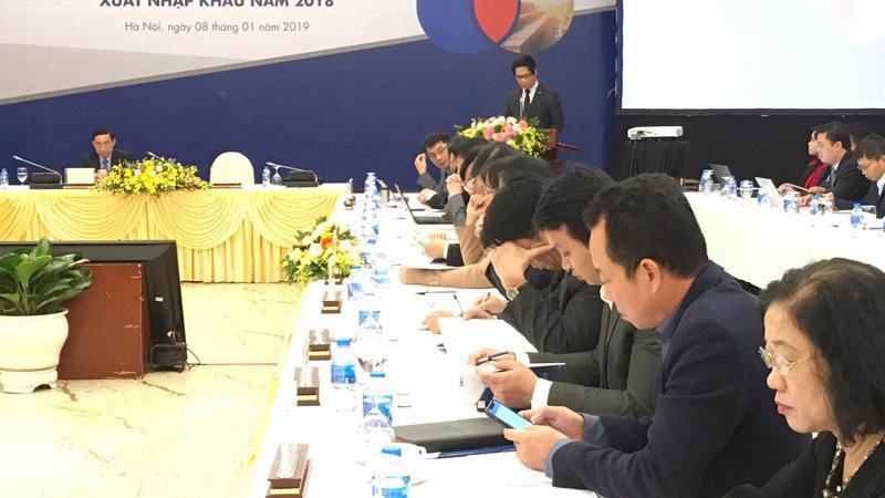 Chủ tịch Phòng Thương mại và công nghiệp Việt Nam Vũ Tiến Lộc phát biểu tại hội nghị