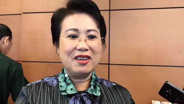Bà Phan Thị Mỹ Thanh trong một lần trả lời báo chí bên hành lang Quốc hội.