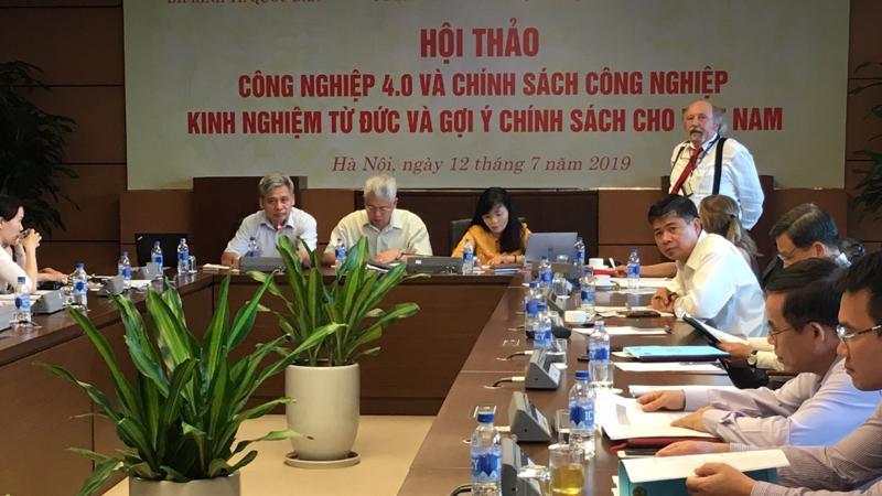 TS. Hansjörg Herr , Đại học Kinh tế và Luật Berlin (Đức) phát biểu tại hội thảo công nghiệp 4.0 và chính sách công nghiệp, kinh nghiệm từ Đức và gợi ý chính sách cho Việt Nam