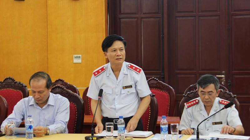 Phó tổng Thanh tra Chính phủ Bùi Ngọc Lam (đứng giữa) chủ trì buổi công bố kế hoạch kiểm tra giá điện.