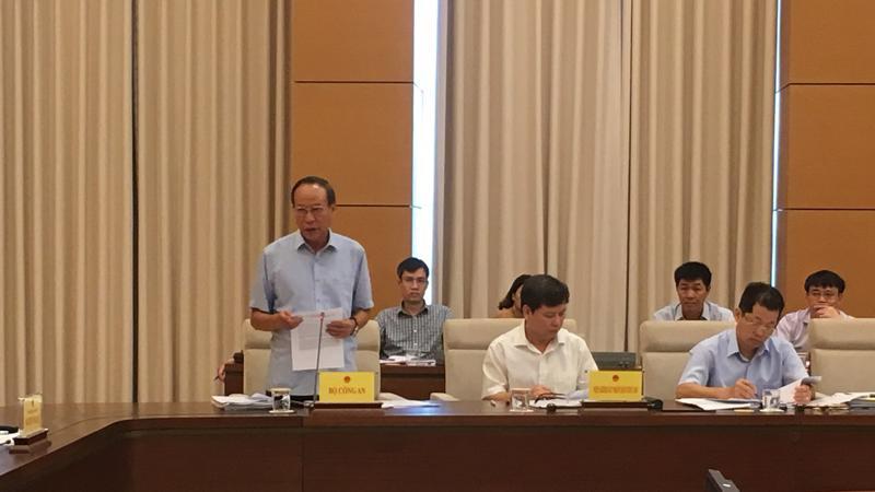 Thứ trưởng Bộ Công an Lê Quý Vương giải trình ý kiến thành viên Uỷ ban Tư pháp