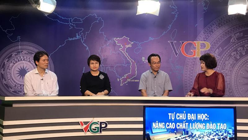 Các đại biểu tham dự tọa đàm. Ảnh - N.Dương