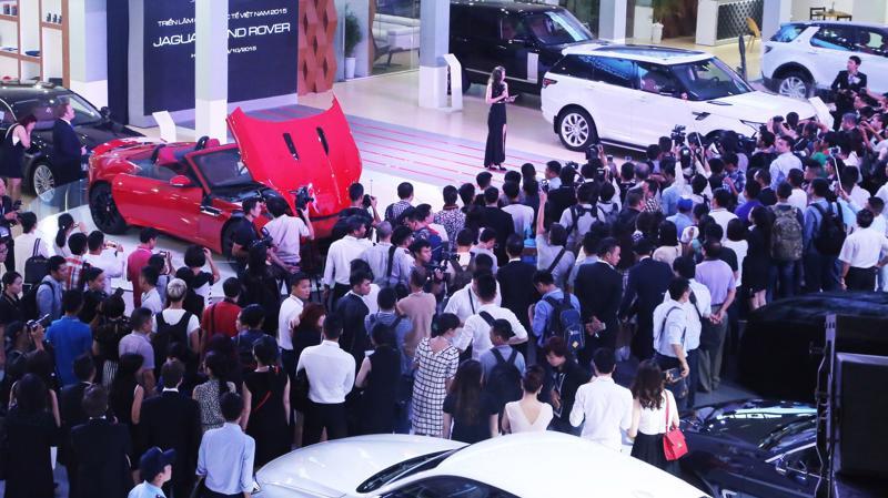 Sự phục hồi của kim ngạch nhập khẩu ôtô CBU tháng 11 được cho là xuất phát chủ yếu từ nhu cầu mua sắm xe dịp cuối năm.