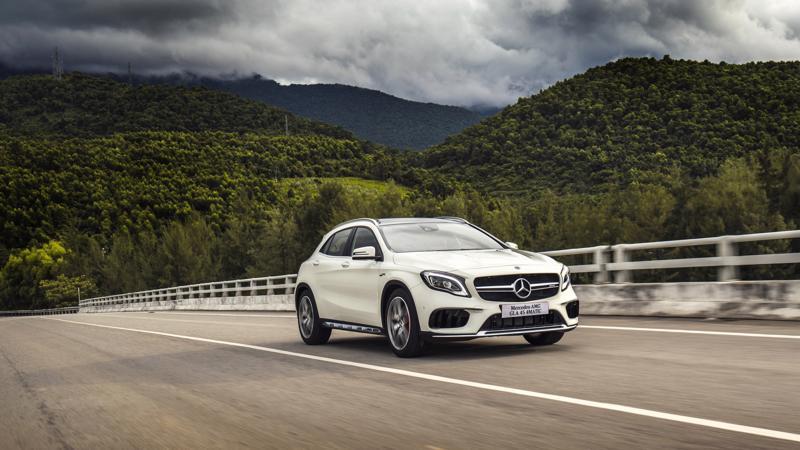 Người tiêu dùng được khuyến cáo đưa xe đến hệ thống đại lý để kiểm tra và khắc phục lỗi khi thấy đèn báo túi khí bật sáng hoặc nhận được thông báo từ Mercedes-Benz Việt Nam.