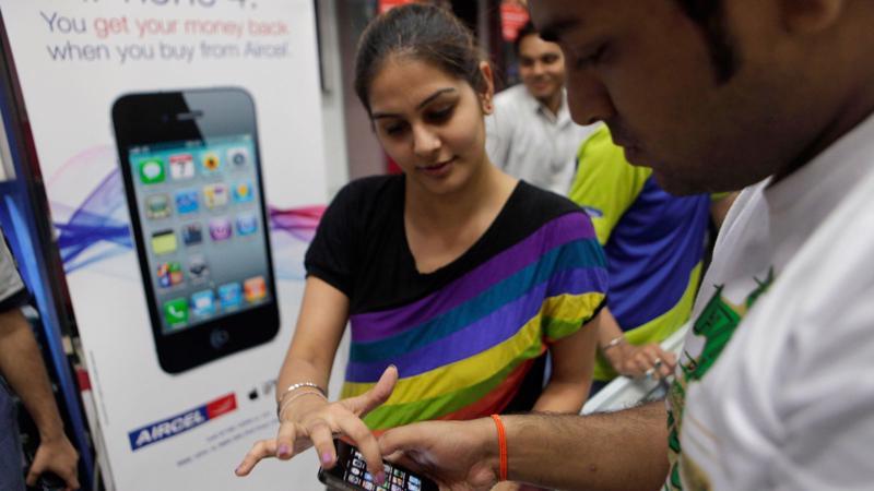 """<div><span style=""""font-size: 13.3333px; font-family: Arial, Verdana;"""">Apple đã và đang bán nhiều dòng sản phẩm &nbsp;ở Ấn Độ - Ảnh: Wccftech.</span></div>"""