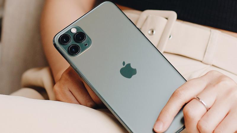 Mua iPhone 11, 11 Pro, 11 Pro Max tại FPT Shop và F.Studio từ ngày 01 - 30/11, bạn sẽ được tặng phiếu mua hàng 1 triệu đồng lên đời trả trước từ 0 đồng và góp từ 980.000đ/tháng.