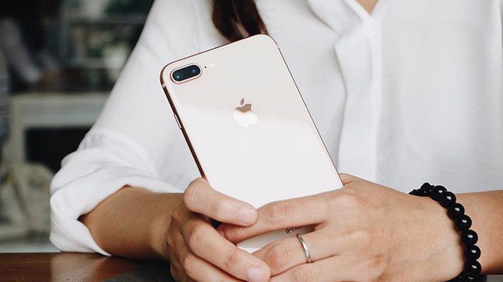 Một trong những trang thương mại điện tử lớn nhất hiện nay – Lazada – đầu năm 2018 đã được Apple ủy quyền để trở thành nhà phân phối trực tuyến toàn khu vực Đông Nam Á.