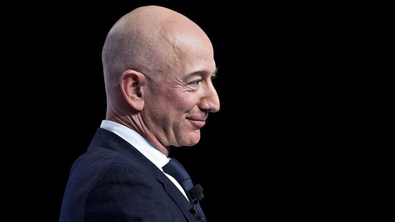 Ông chủ Amazon Jeff Bezos - Ảnh: Bloomberg.