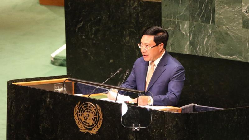 Phó Thủ tướng, Bộ trưởng Ngoại giao Phạm Bình Minh phát biểu tại phiên thảo luận.