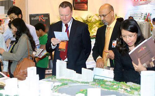 """Việc cho người nước ngoài mua nhà tại Việt Nam được cho là có lợi cho cả nền kinh tế, phù hợp thông lệ quốc tế và là một hình thức """"xuất khẩu"""" bất động sản tại chỗ hiệu quả."""